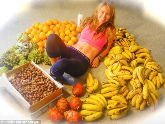 她節食~一天吃51根香蕉