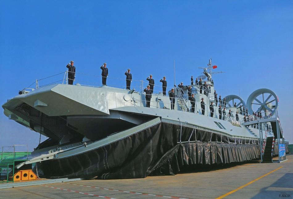 中国野牛气垫船服役画面曝光