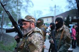 亲俄罗斯武装人员开火冲击乌克兰警察局
