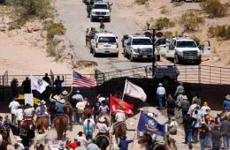 美国数百民兵驰援内华达牧场 持枪逼退政府