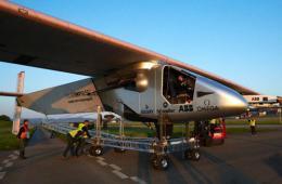 全球最大太阳能飞机进行首次电池板测试