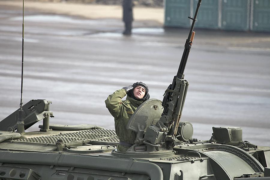 俄军阅兵大彩排主力装备都来了