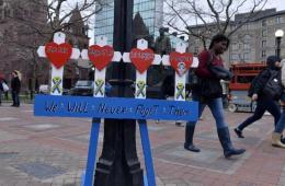美波士顿纪念马拉松连环爆炸案一周年 缅怀死者