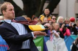 澳媒盘点威廉王子夫妇访问澳洲10个尴尬瞬间
