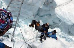珠峰雪崩事件已致15人死亡 攀登珠峰史最严重事故