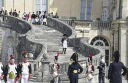 法国枫丹白露再现永别仪式 纪念拿破仑逊位200周年