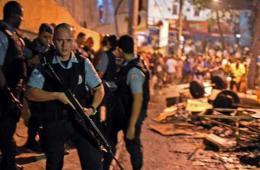 巴西里约贫民区爆发暴力抗议 警民发生冲突