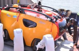 韩国使用多关节潜水机器人参与搜救