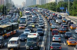 美国网上租车创始人:未来城市汽车数量必然锐减