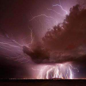 美疯狂摄影师追逐风暴拍神作