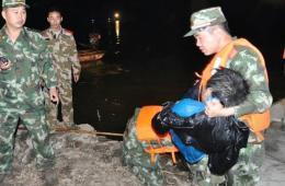 云南小学生乘废弃渔船游湖 7人落水仅1人生还
