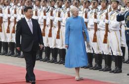 习近平欢迎丹麦女王玛格丽特二世访华