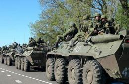 俄罗斯在靠近乌克兰边境地区部署大批军事力量