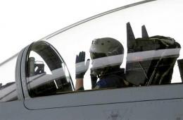 谁说中国飞行员只有白线手套