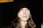 凯拉·奈特莉4月28日伦敦街拍