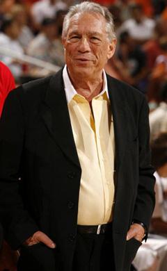 斯特林遭NBA官方重罚 终身禁赛并罚款250万