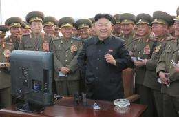 金正恩指导朝鲜远程炮兵部队炮击训练