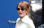 艾玛·斯通4月29日纽约街拍