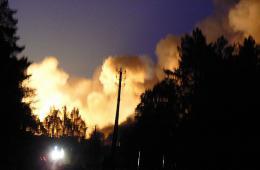 俄军火库被森林大火引爆 已致10人死亡6人失踪