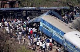 印度西部火车脱轨致12人死亡
