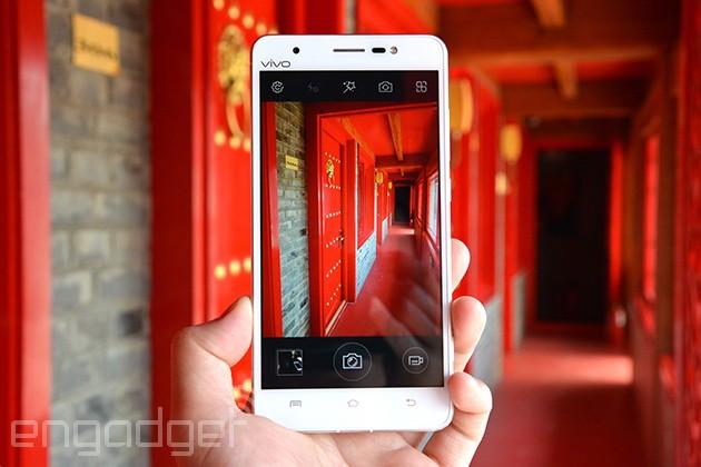 骁龙801旗舰Vivo Xshot:手机中的照相机(视频+图)