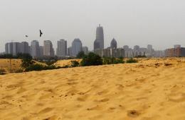 郑州郊外形成沙漠景观 毗邻CBD