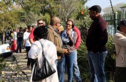 南非大选正式拉开帷幕 各种族选民排队投票