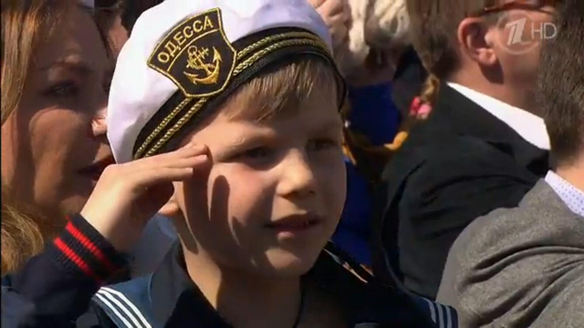 于胜利/普京于胜利日首访入俄后克里米亚检阅俄海军舰队(28/75)