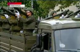 俄各地举行盛大阅兵式 庆祝二战胜利69周年