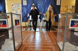 乌克兰东部两州公投开始 专家:不会影响东部局势