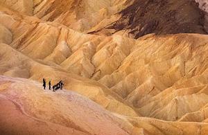 风光摄影:死亡谷里的火柴人