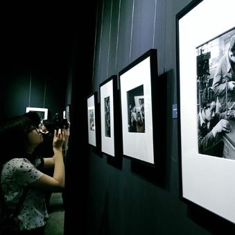 杜瓦诺眼中的雷诺摄影展开幕