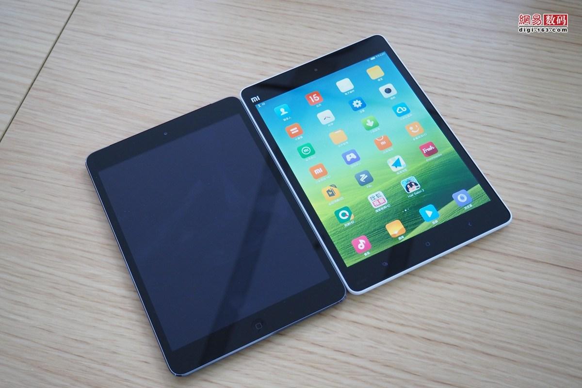 因为塑料外观的先天条件,小米平板和iPad mini 2还是要稍微大一点