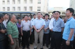 中国工作组看望越南河静暴乱事件中受冲击中国工人