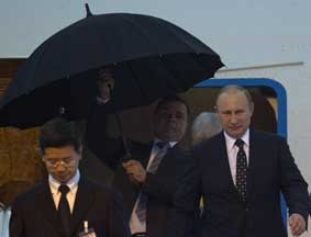 普京抵达上海出席2014亚信峰会