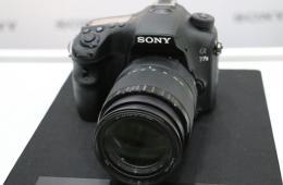 索尼发布A77 II单电相机 搭载79点对焦系统