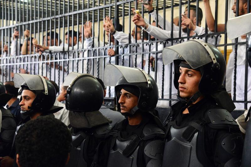 埃及判处百余名穆兄会支持者最高15年监禁刑罚