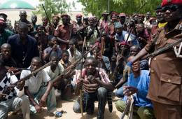 """尼日利亚猎人组成治安维持会 志愿搜寻""""博科圣地"""""""