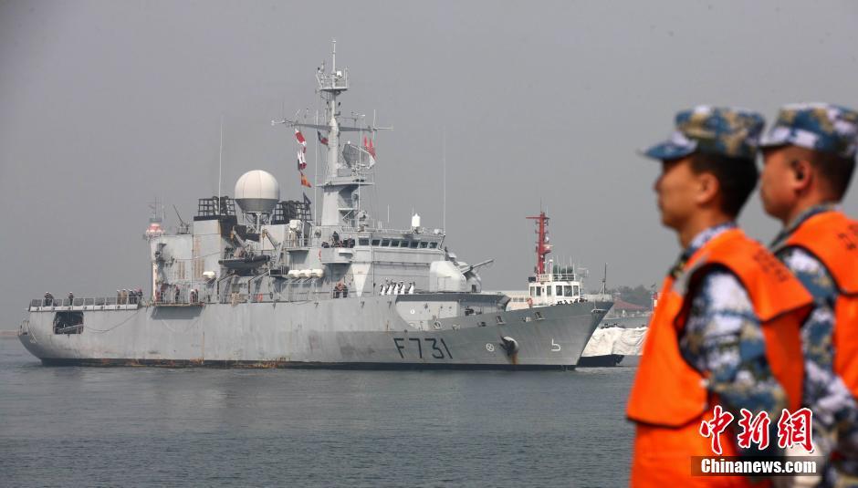 法国海军护卫舰再次访问青岛
