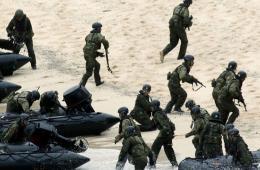 日首次在距中国水域最近无人岛实施夺回离岛训练