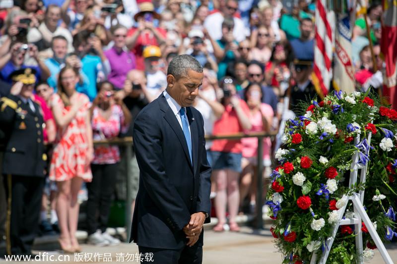 美国阵亡战士纪念日: 奥巴马献花 老兵焚烧美国旗