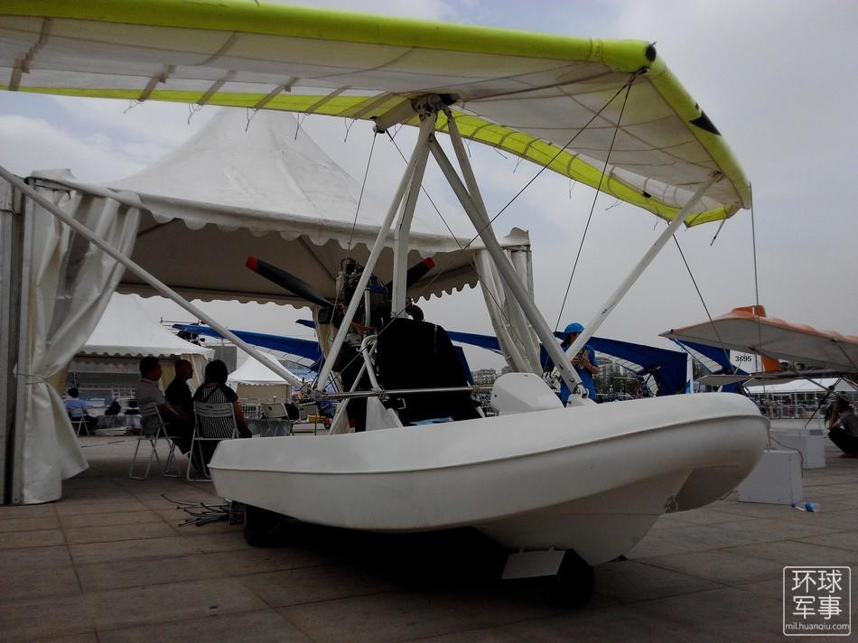 国产气垫船装上翅膀可以飞行