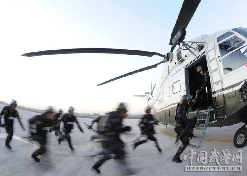 我武警部队也装备大量直8直9