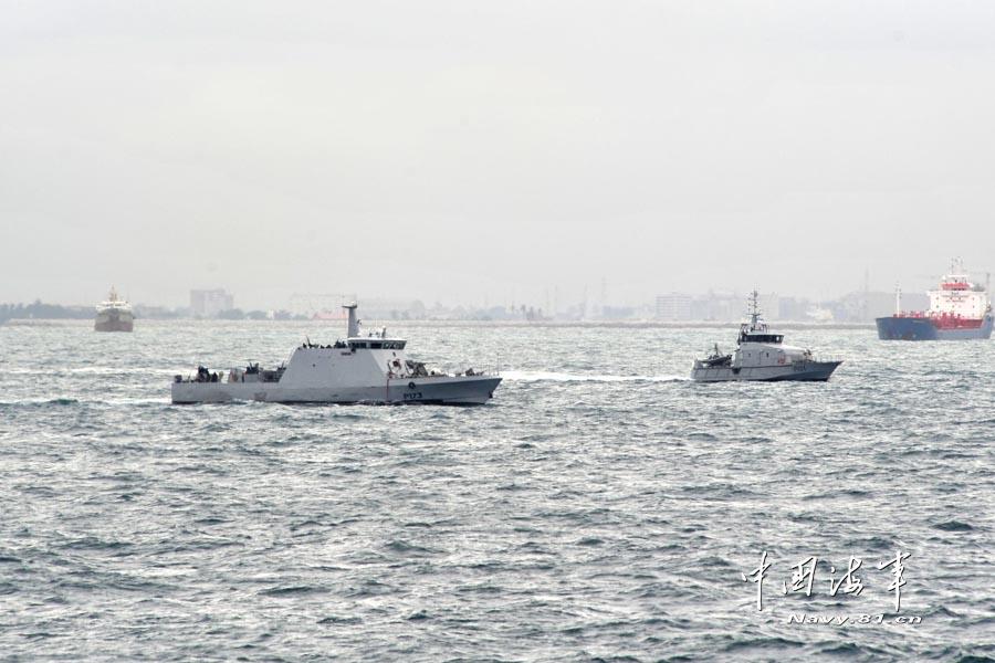 中国海军首次在几内亚湾反海盗