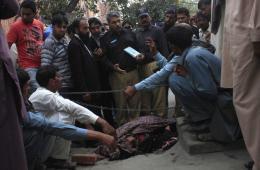 巴基斯坦女性自由恋爱结婚遭家人乱石砸死