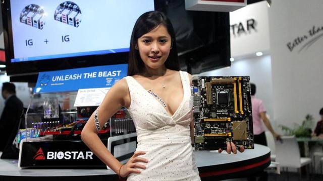 2014台北国际电脑展开幕 众多辣妹吸引眼球