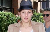 玛丽昂·歌迪亚6月3日纽约街拍