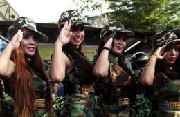 """泰国军方发起""""还幸福于民众""""活动 载歌载舞军民同乐"""