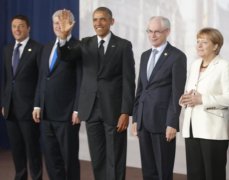 奥巴马 盘点/奥巴马举手挡住加拿大总理盘点政要抢镜那点事(2/6)