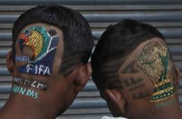 """世界杯临近 """"大力神杯""""发型在印度跑火"""